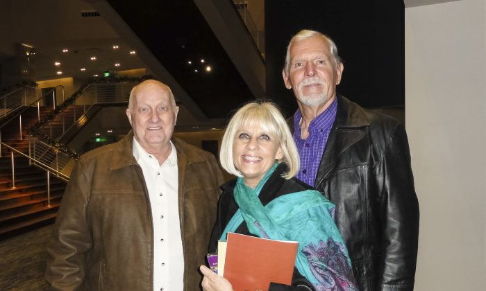 Retired Professor Likes the 'Whole Package' at Shen Yun