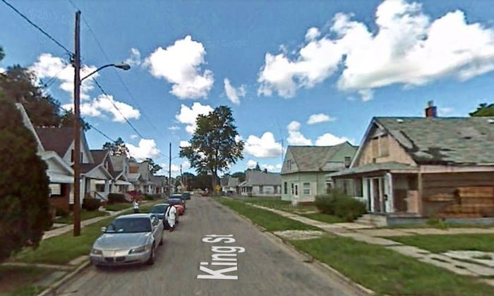 Block of houses were a pit bull froze to death, in Toledo, Ohio. (Screenshot via Google Maps)