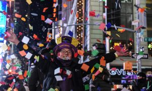 In Frigid Times Square, Relief Arrives With the New Year