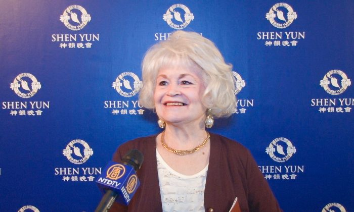 Augusta Theatergoer Says the Beauty in Shen Yun Takes Her Breath Away