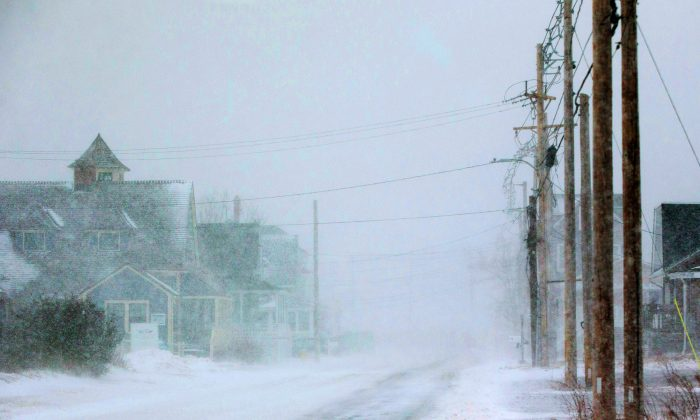 White-out conditions cloak Nantasket Ave. as a massive winter storm begins to bear down on the region on January 4, 2018 in Hull, Massachusetts. (Scott Eisen/Getty Images)