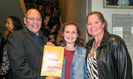 Shen Yun Good for All Ages, Says Army Officer