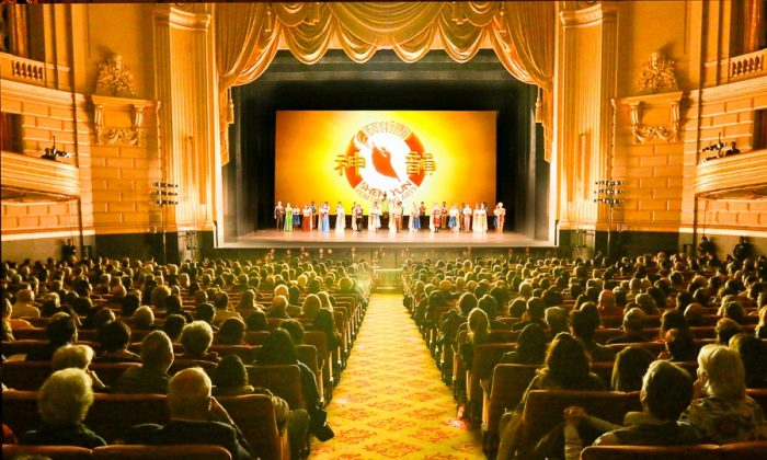 Retired Engineer Enjoys Beauty and Culture in Shen Yun