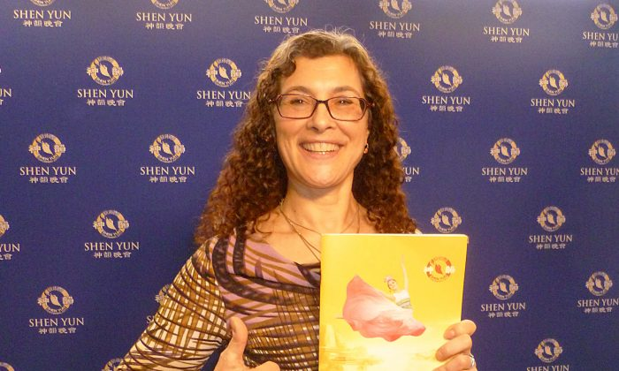 Business Owner Wowed by 'Inspiring' Shen Yun
