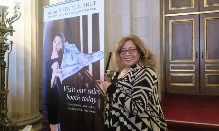 Fine Artist: Shen Yun 'Gave Me a Sense of Hope'