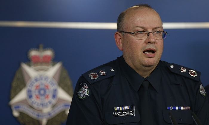 A 2017 file image of Victoria Police Chief Commissioner Graham Ashton speaking to the media. (Darrian Traynor/Getty Images)