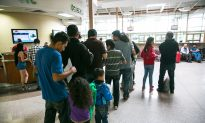 Trump Administration Ends Temporary Status for 200,000 Salvadorans, Orders Exit by September 2019