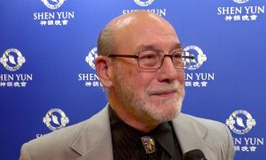 Air Force Pilot Trainer Returns for the Fourth Time to Shen Yun