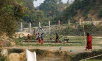 Rohingya Insurgents Say 10 Found in Burmese Grave 'Innocent Civilians'