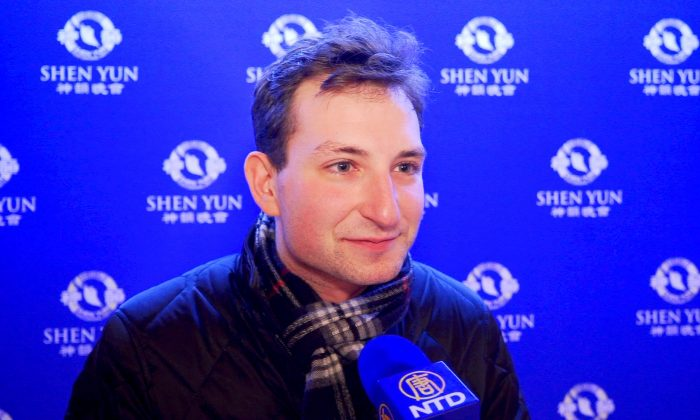 Television Producer Finds Shen Yun Performance Epic and Emotional