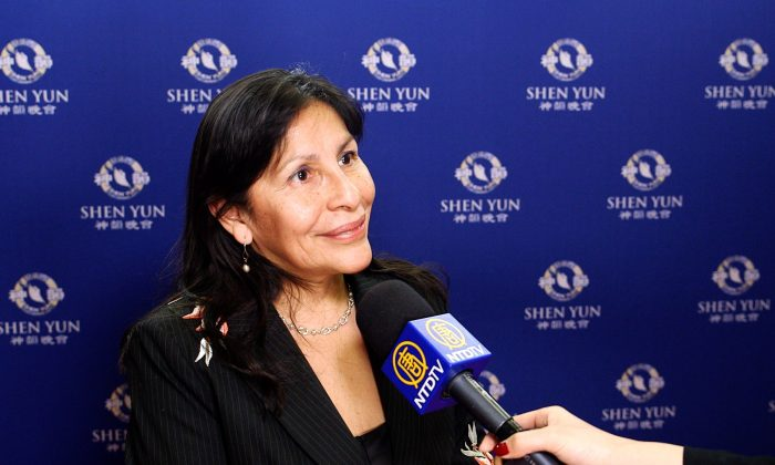 Shen Yun Brings Valuable Lessons, Says Canadian Senator