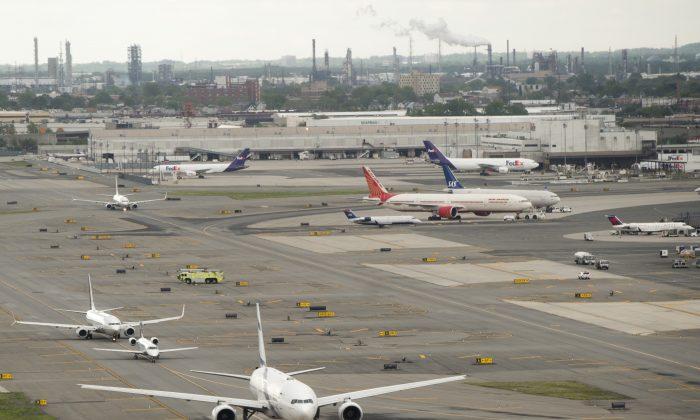 Airplanes at Newark Liberty International Airport in Newark, N.J., May 15, 2016. (Saul Loeb/AFP/Getty Images)