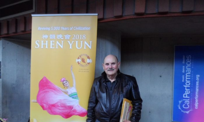 Retired Navy Pilot Sees Shen Yun With Entire Family