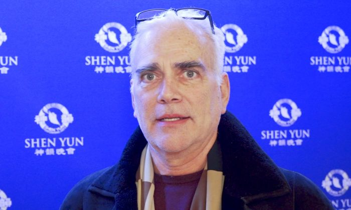 Interior Designer Finds Dancing Movement Enhanced by Vibrant Colors at Shen Yun