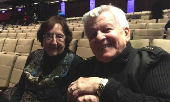 Shen Yun Is Priceless, Says Former Diplomat