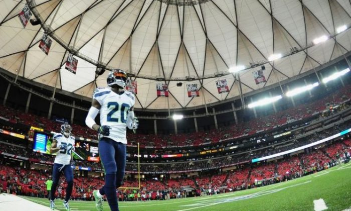 Jeremy Lane #20 of the Seattle Seahawks runs out on the field prior to the game against the Atlanta Falcons at the Georgia Dome in Atlanta, Georgia on Jan. 14, 2017.  (Photo by Scott Cunningham/Getty Images)