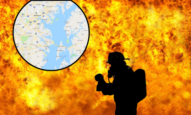 The blaze broke out at a mansion in Annapolis, Maryland. (Screenshot via Google Maps / Background: stock photo / CC0)
