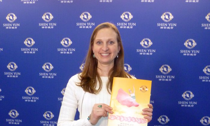 Shen Yun Inspires Dance Teacher and Artistic Director