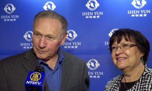 Theatergoer Wants to Buy Shen Yun Costumes for Wife and Daughters