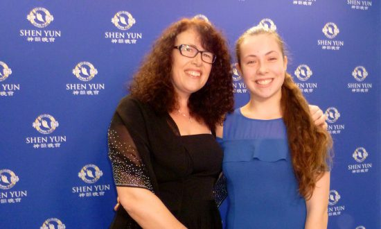 Two Generations of Dancers Admire Shen Yun Choreography