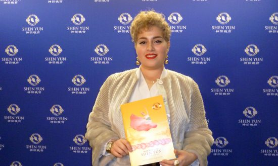 Theatergoer Captivated by Shen Yun's Creativity and Heavenly Scenes