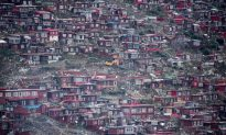 Chinese Officials Engaged in 'Takeover' of Tibetan Buddhist Monastery, Says Human Rights Watch
