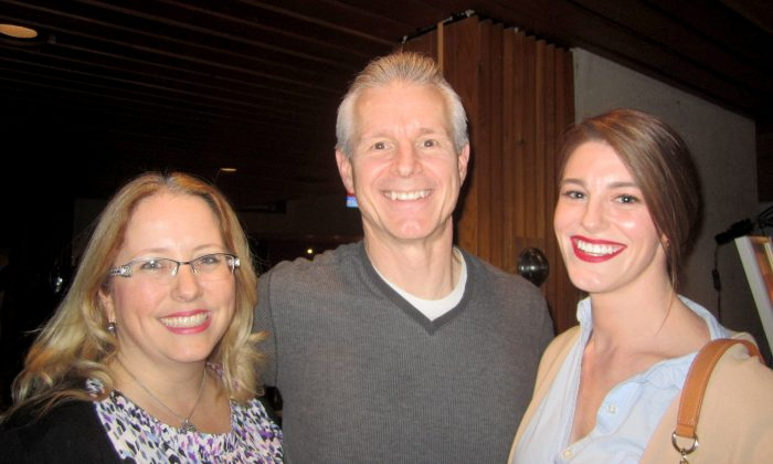 Manager and Family Find Positive Values in Shen Yun