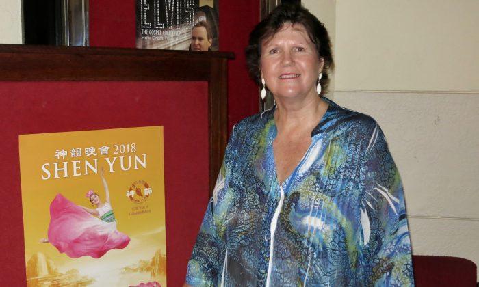 Music Teacher Finds Shen Yun Etheral