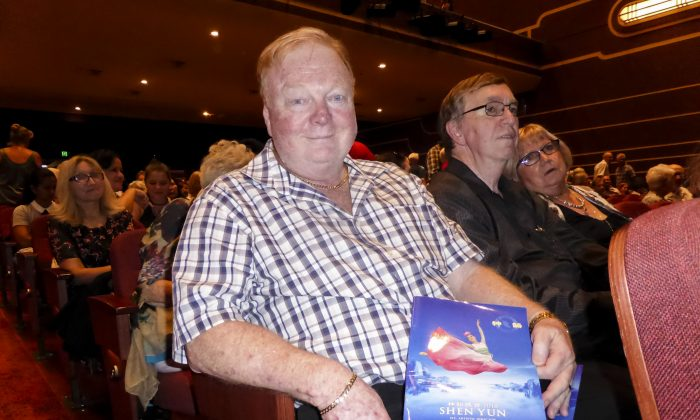 Bank Manager Finds Shen Yun 'A Celebration of the Culture'
