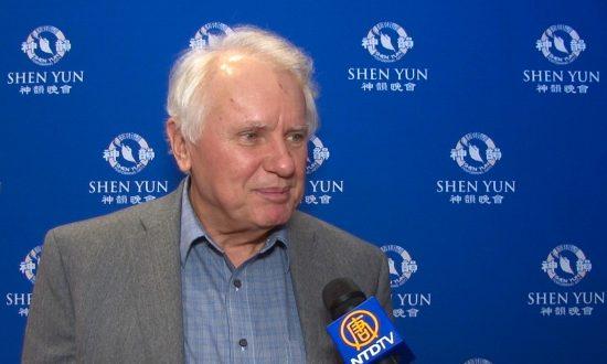 Banker Enjoys Chinese Ethnic Diversity at Shen Yun