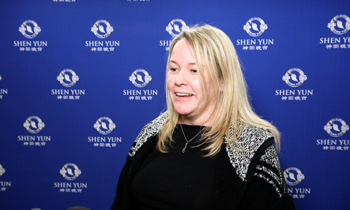 """Shen Yun Dancers 'Express Every Moment,"""" Says Theatergoer"""