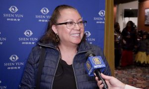 Public Health Commander Returns for the Fourth Times to See Shen Yun