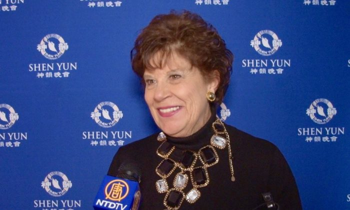 Former First Lady of Alabama Returns to See Shen Yun for the Third Time
