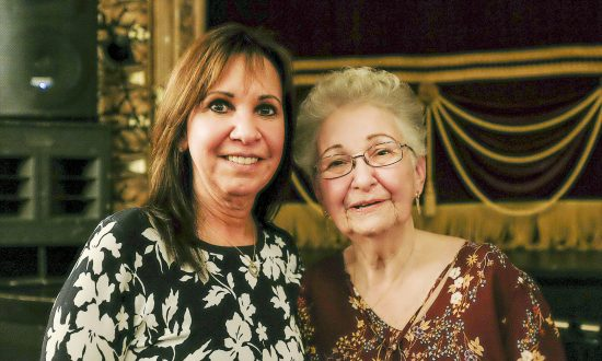 Medical Consultant Enjoys the Talent at Shen Yun