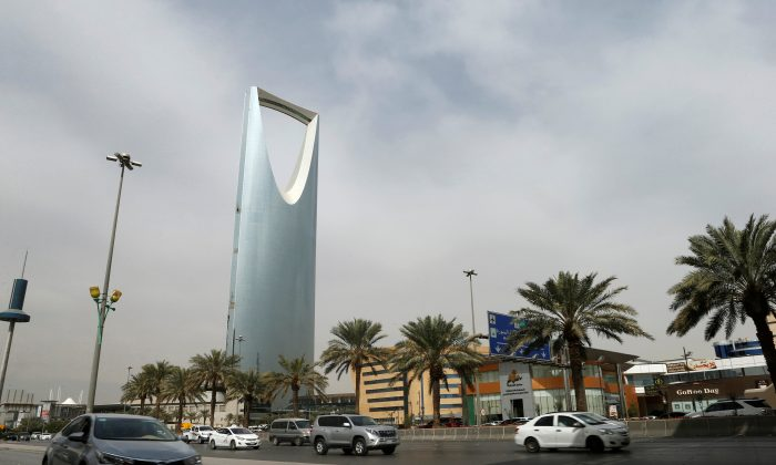 Cars drive past the Kingdom Centre Tower in Riyadh, Saudi Arabia, January 30, 2018. (Reuters/Faisal Al Nasser)