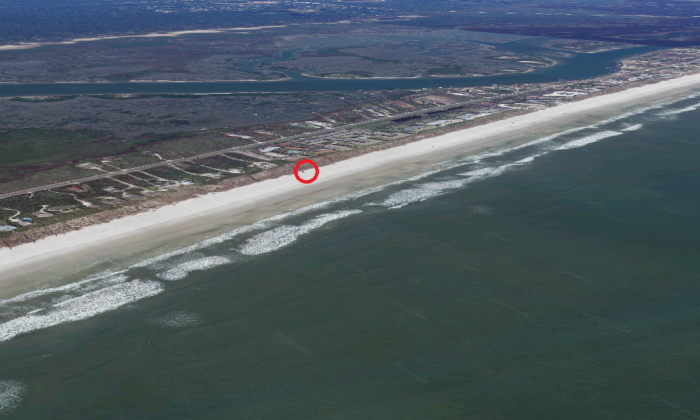 The approximate location where Lee Goggin was buried by a collapsed tunnel he dug in sand dunes at Crescent Beach, south of Jacksonville, Fla., on Jan. 28, 2018. (Screenshot via Google Maps)