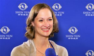 Former Ballet Dancer Has High Respect For Shen Yun Dancers