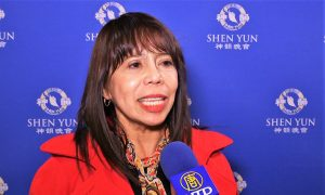 Lawyer Wants Her Country's President to See Shen Yun
