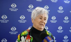 Shen Yun 'Absolutely Incredible' Artist Says