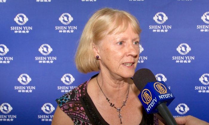 Music Teacher Says Shen Yun Is Phenomenal