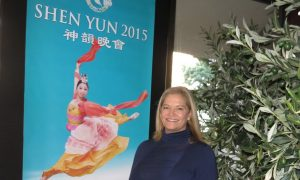 Theatergoer Enthuses: Shen Yun Is 'So visually satisfying to watch'