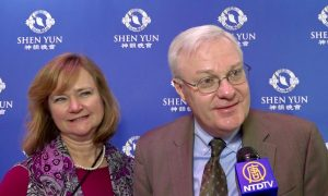 Operational Risk Officer Finds Happiness While Watching Shen Yun