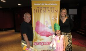 Business Professional Enjoys the Spirituality in Shen Yun