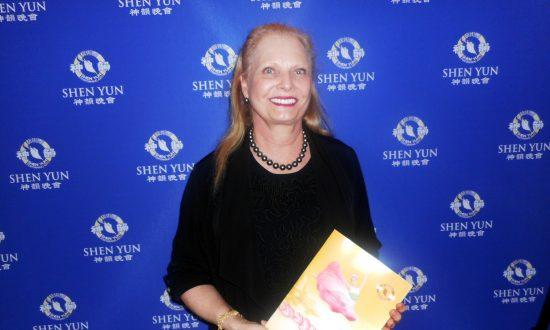 Shen Yun Beyond Words, Jewelry Designer Says