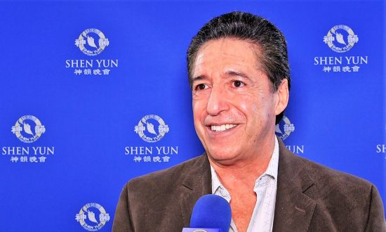 Dental Surgeon Loves Shen Yun: 'I've seen it four times'