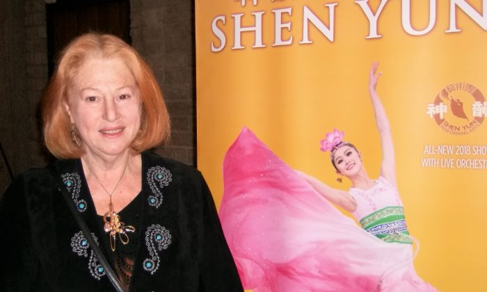 Professional Painter: Shen Yun's Colors Were 'Delicious, Rich and Beautiful'