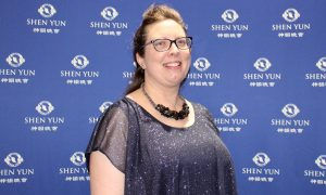 Company Logistics Coordinator: Shen Yun, 'I Came to Tears Because of the Beauty'