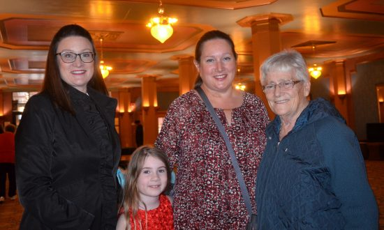 Three Generations Take In Beauty of Shen Yun