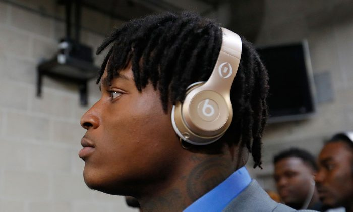 Linebacker Reuben Foster of the Alabama Crimson Tide before taking on the Clemson Tigers in the 2017 College Football Playoff National Championship Game at Raymond James Stadium on Jan. 9, 2017, in Tampa, Fla. (Kevin C. Cox/Getty Images)