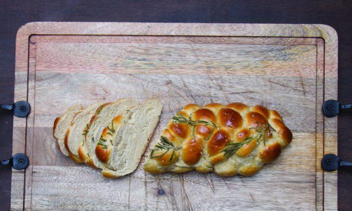 Rosemary garlic challah bread. (Courtesy of Countryman Press)